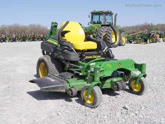 Photo of the 2015 John Deere Z915B