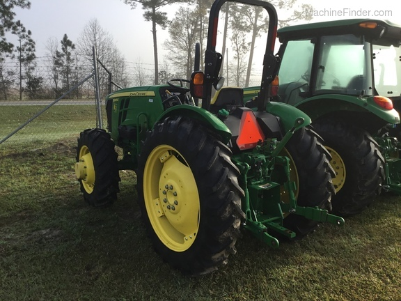 2015 John Deere 5065E