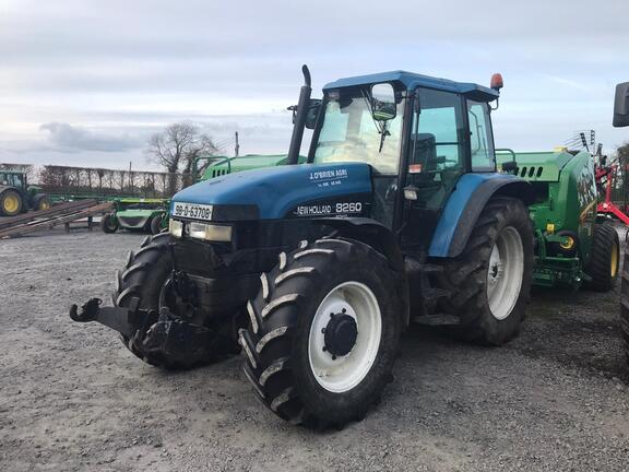 Ford-New Holland 8260