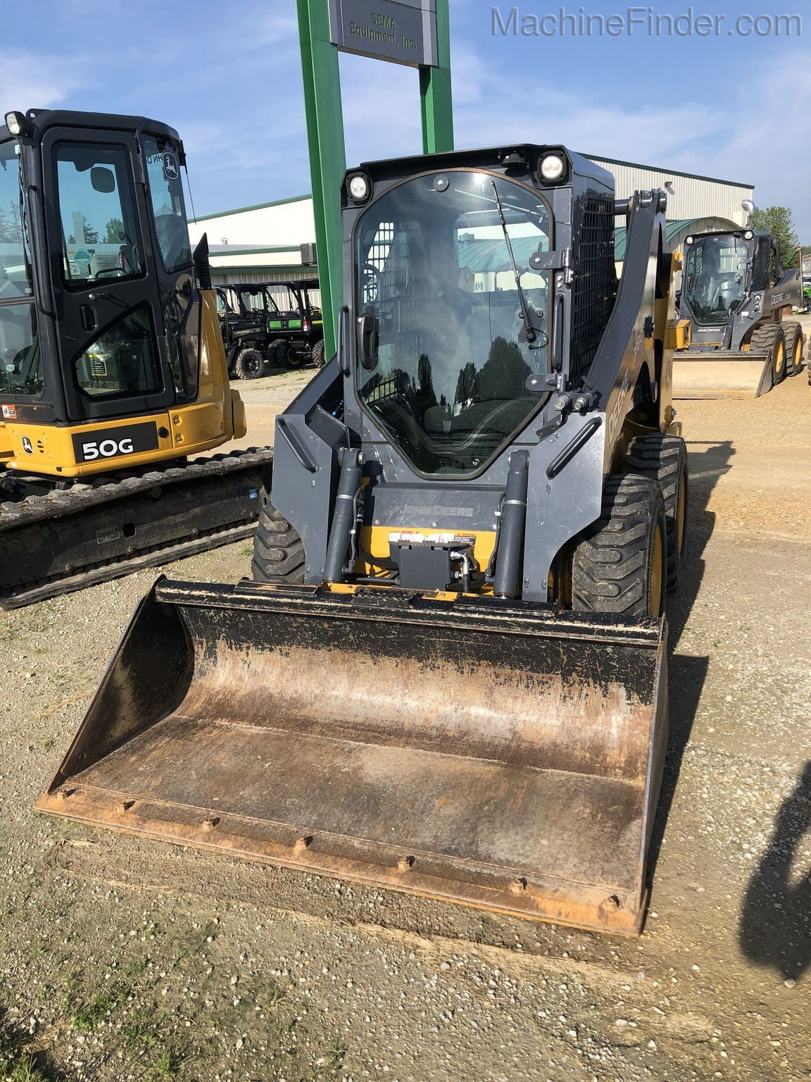 Equipment Details 2016 John Deere 318g