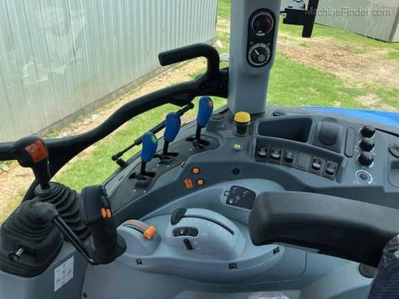 2018 New Holland T5.120 Image 8