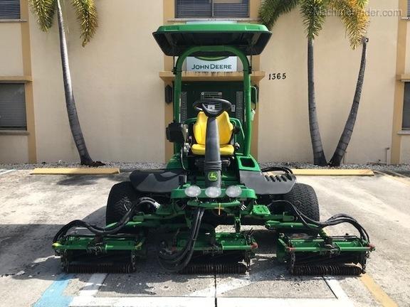 Pre-Owned John Deere 8700A in Boynton Beach, FL Photo 4