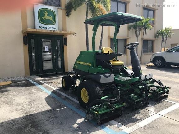 Pre-Owned John Deere 8700A in Boynton Beach, FL Photo 3