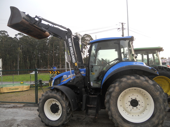New Holland T6070
