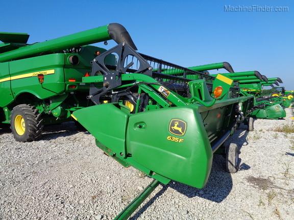 John Deere 635F