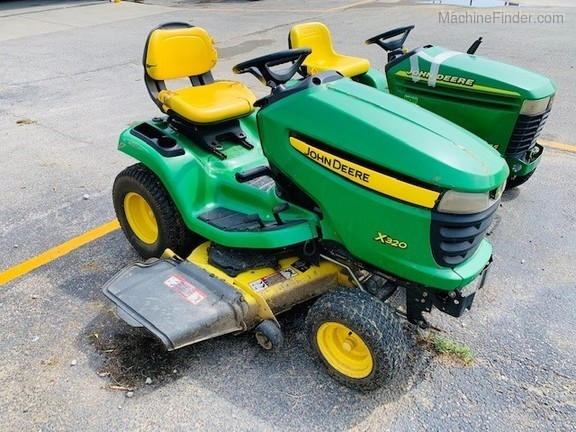 Photo of 2007 John Deere X320