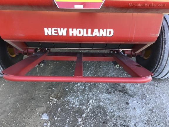 2018 New Holland Rollbelt 560 Image 22
