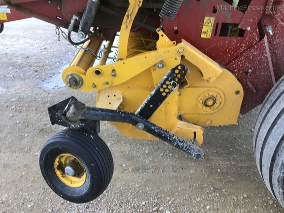 2018 New Holland Rollbelt 560 Image 32