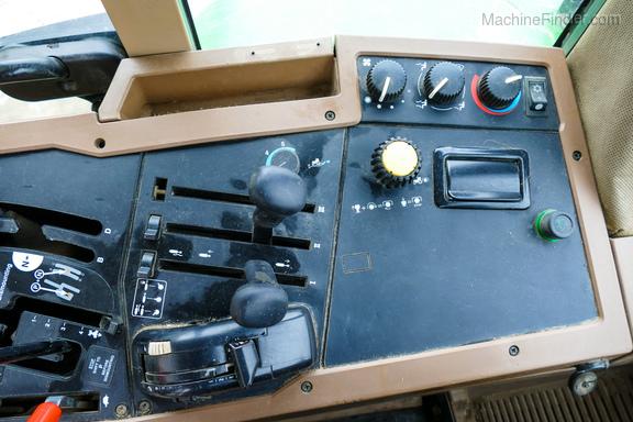 1992 John Deere 7700-17