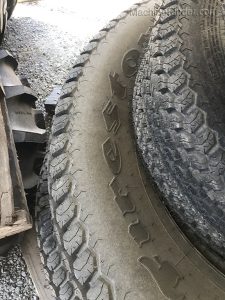 John Deere SET OF R3 TURF TIRES Image 8