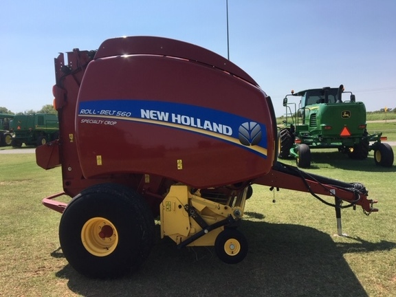 2016 New Holland Rollbelt 560 Image 5