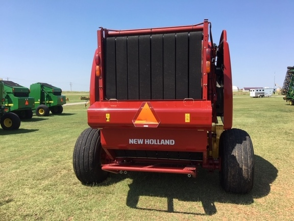 2016 New Holland Rollbelt 560 Image 7