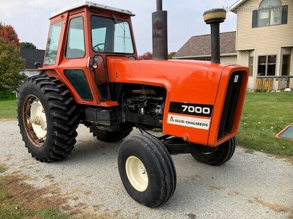1979 Allis-Chalmers 7000 Image 1