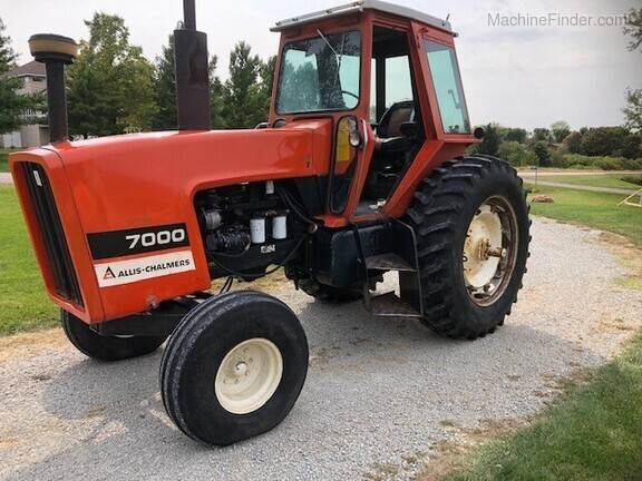 1979 Allis-Chalmers 7000 Image 2