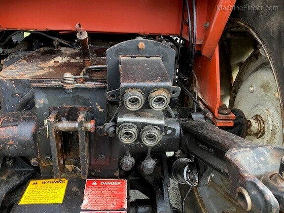1979 Allis-Chalmers 7000 Image 4