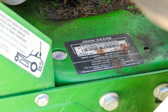 2016 John Deere Z930M-18
