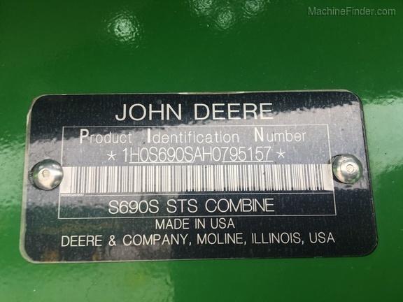 Photo of 2017 John Deere S690