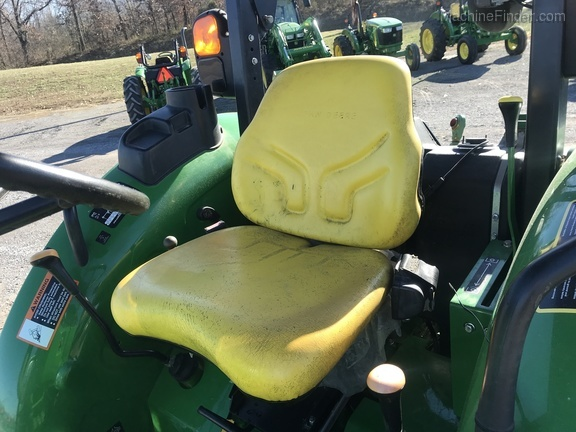 Photo of 2016 John Deere 5055E