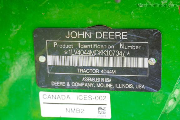 2019 John Deere 4044M-31