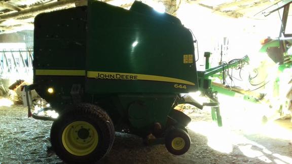 John Deere 644