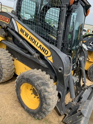 New Holland L220