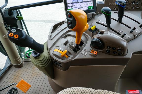 2016 John Deere 6110R-15