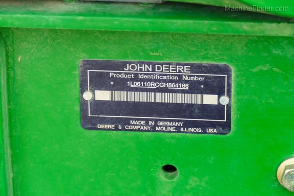 2016 John Deere 6110R-37