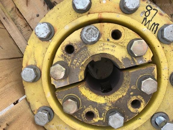 John Deere 87MM - 10 BOLT DUAL HUBS