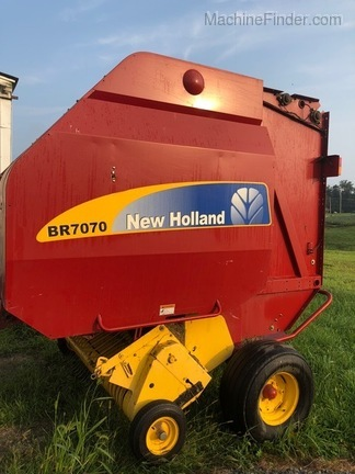 2012 New Holland BR7070