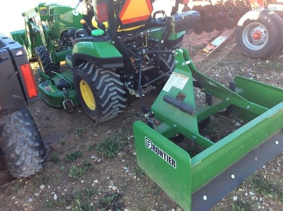 2015 John Deere 1025R - Compact Utility Tractors - Abilene, TX
