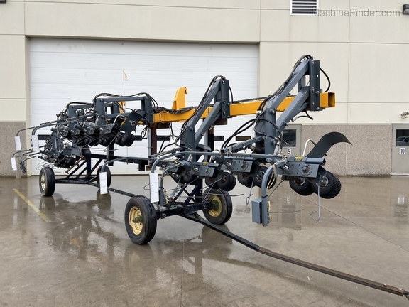 Hagie 4-1 DTB 12R Puller Image 1