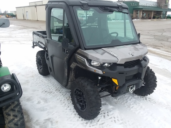 2017 Can-Am HD10 Defender XT Image 1