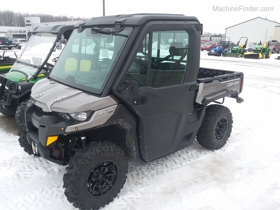 2017 Can-Am HD10 Defender XT Image 2