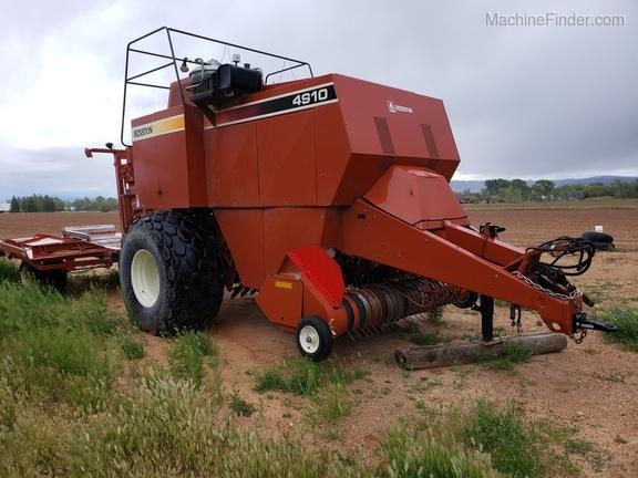 2005 Hesston 4910