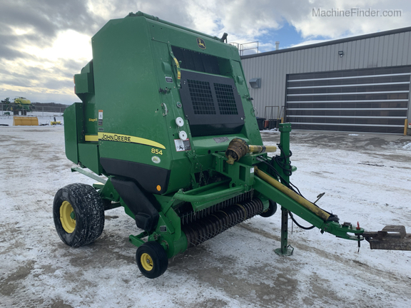2010 John Deere 854 Silage Special Image 2