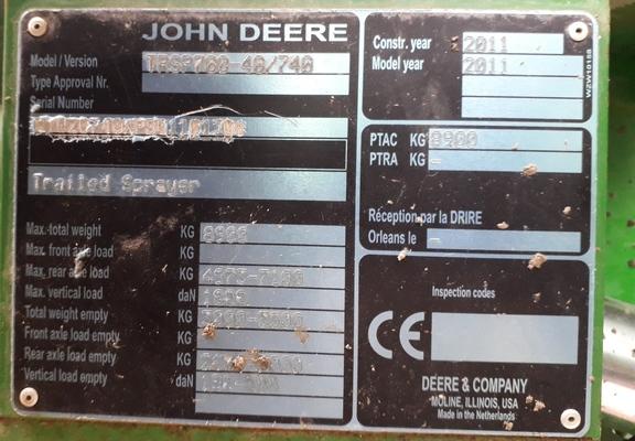 John Deere 740