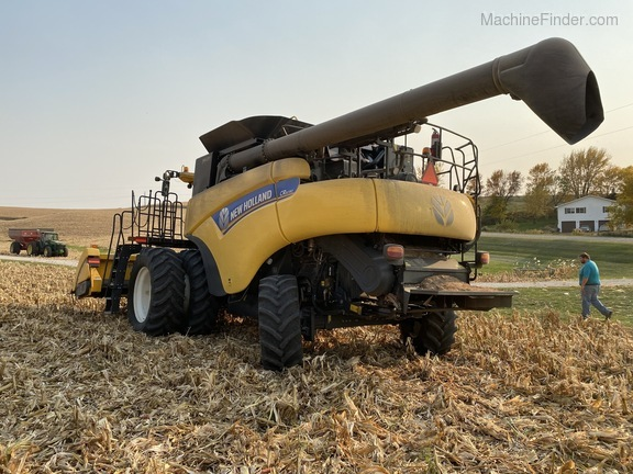 2014 New Holland CR6090 Image 6