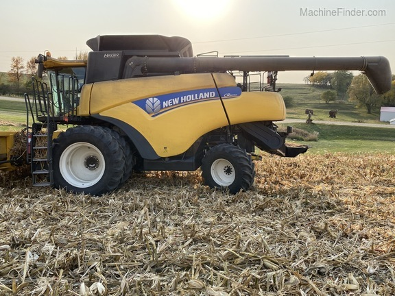 2014 New Holland CR6090 Image 1