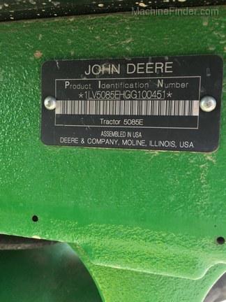 2017 John Deere 5085E