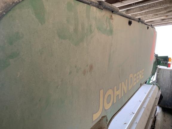 Photo of 2014 John Deere 835