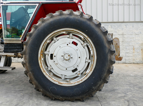 1979 Massey Ferguson 2675-27