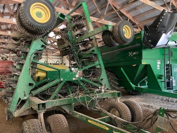 Photo of 2016 John Deere 1990