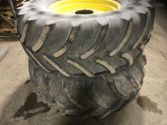 John Deere Firestone 540/65R30 R-1W