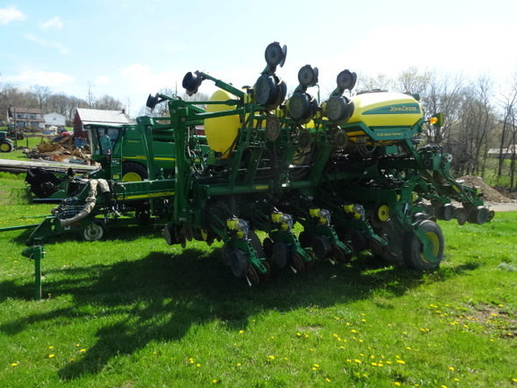2014 John Deere 1790 Planters Drawn John Deere Machinefinder