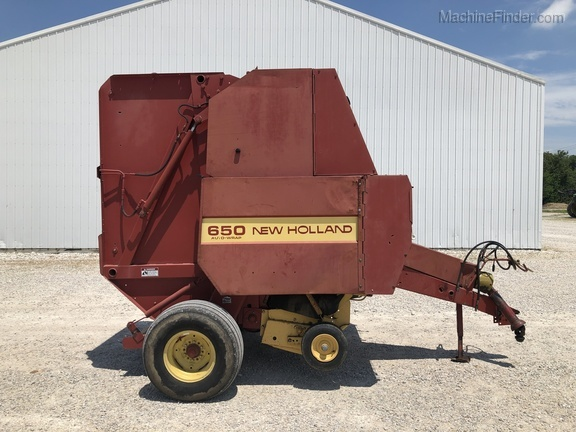 Photo of 1991 New Holland 650