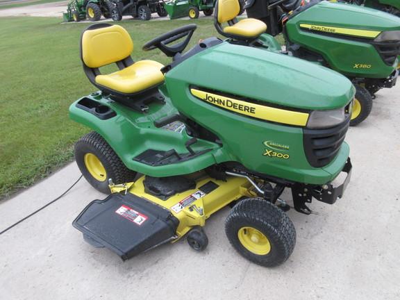 2011 john deere x300  tracteurs de gazon et jardins
