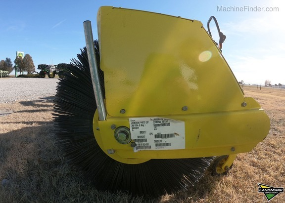 2018 John Deere 60 HD Broom