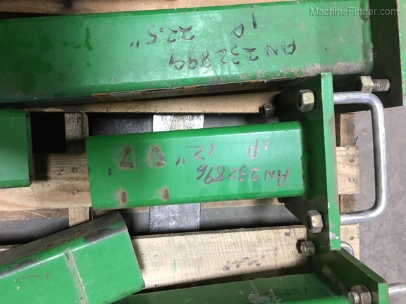 "John Deere AN232896 12"" STUB BAR"