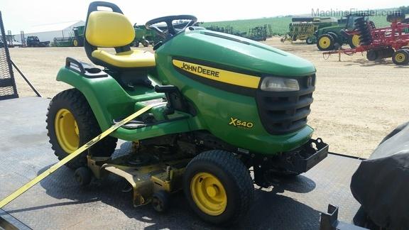 John Deere X540