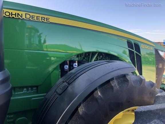 John Deere 8320R